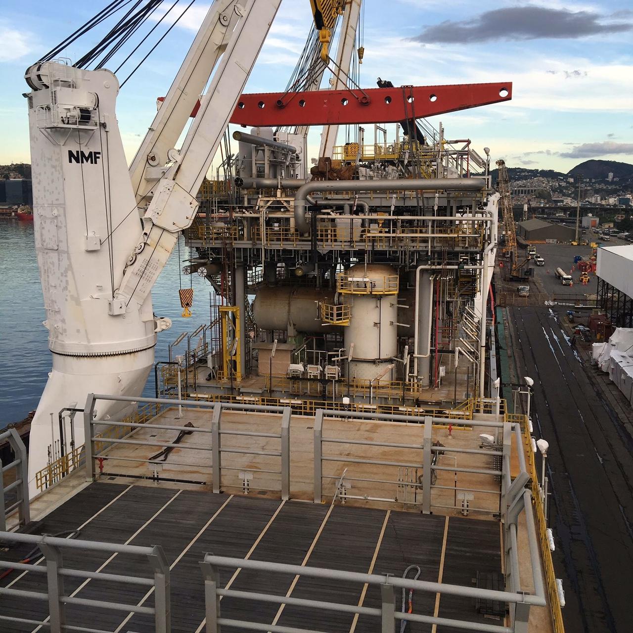 Survey e estudos de viabilidade técnica para Unidade de Processamento de Gas Natural - UPGN  / COMPERJ (II)