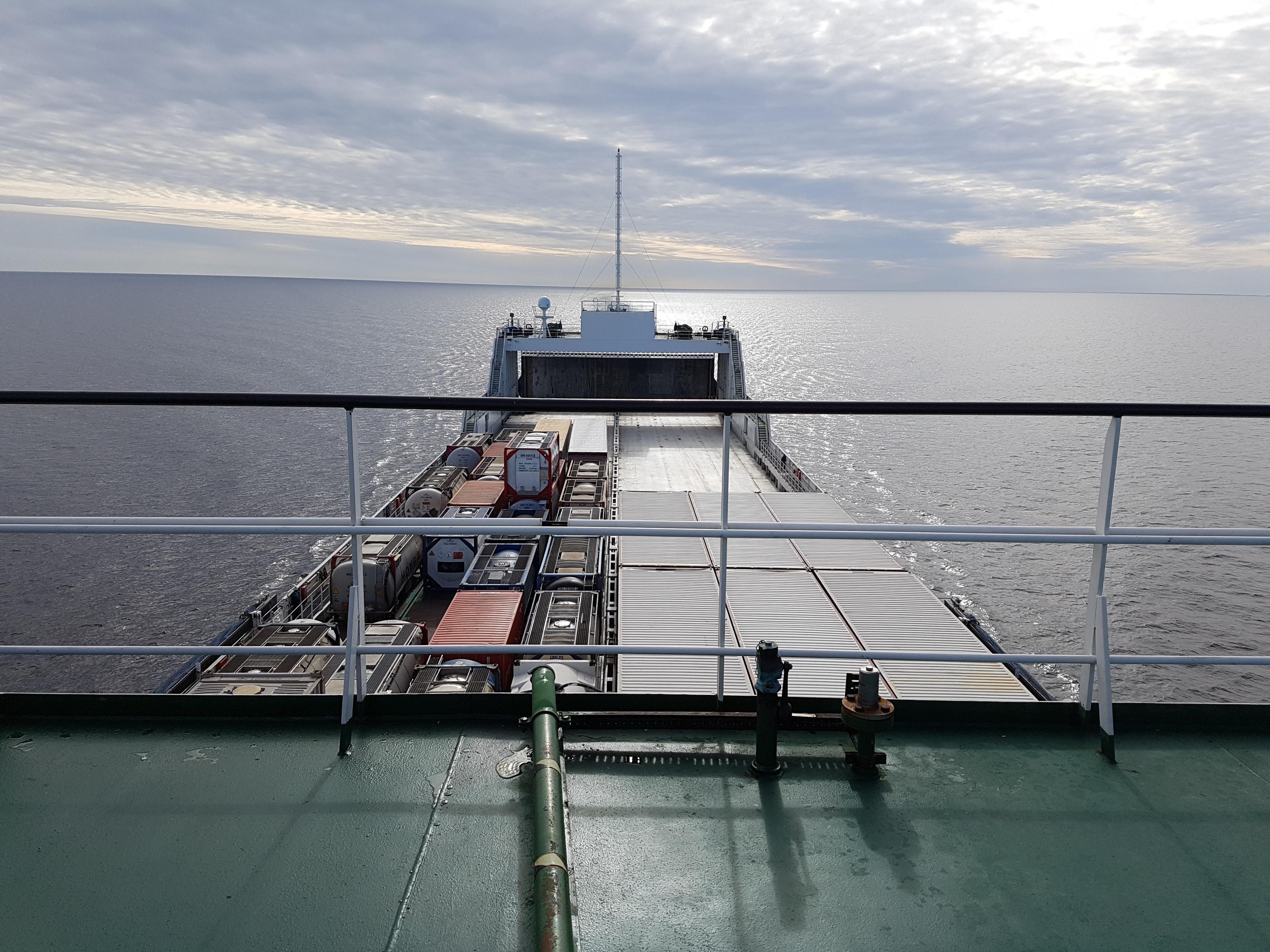 Engenharia e estudo de viabilidade técnica - planta LNG offshore - Montevidéu
